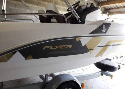 bateau Flyer 5.5 - maquette or et noir